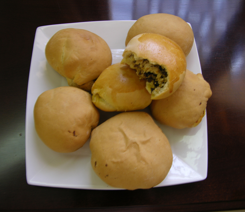 Leos_chicken_buns